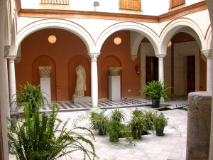 EDIFICIO_1_Patio_principal_2_01